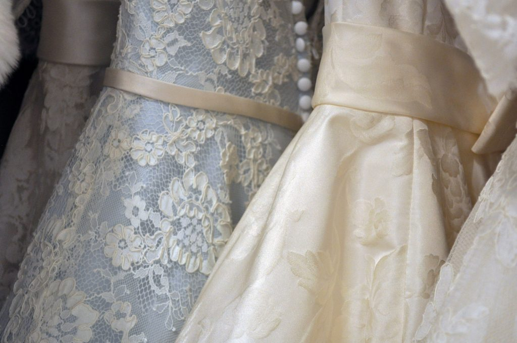 colour-wedding-dress